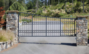Why a Gate or Fence Can Go Along Perfectly with Your Louvers